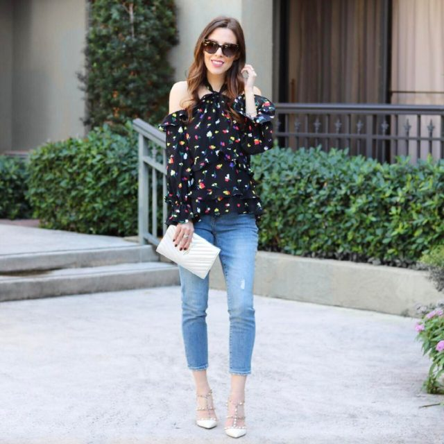 Nothing better than a frilly top and some jeans Gethellip